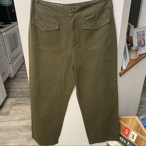 NWT Olive who what wear straight leg pants